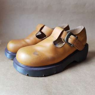 *RARE* Dr. Martens Polley Vintage Shoes (Tan)