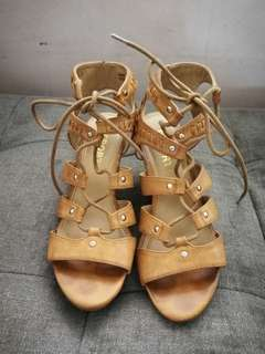 REPORT BROWN LEATHER GLADIATOR WEDGE