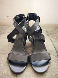 ALDO BLACK STRAPY WEDGE
