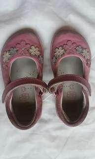 CLARKS baby shoes #letgo4raya