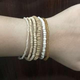 White and wood beaded bracelet set