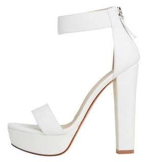 Lipstik high heel shoes
