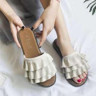 Little Ladies Shoe - SDA212  Size: 35, 36, 37, 38, 39, 40  Color: beige, black, yellow