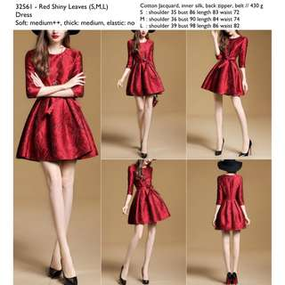 32561 - Red Shiny Leaves (S,M,L)