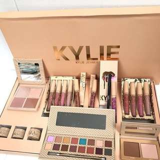 Kylie box set make up