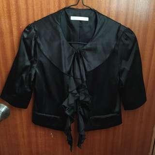 女裝黑色短身西裝外套