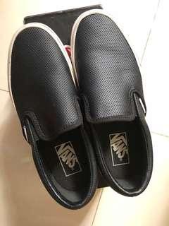 Van's Classic Slip On ( Perf Leather) Black