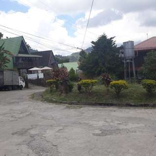 For sale 406 sqm corner lot at Monterazzas Subdivision (Itogon) with house construction for only 6 months!