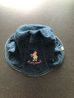 Super cute reversible baby hat