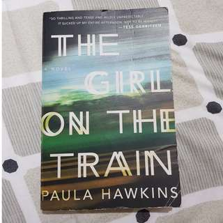The Girl on the Train (big paperback edition)