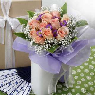 [FREE DELIVERY] 12 Champagne Roses Hand-bouquet (003-CM)