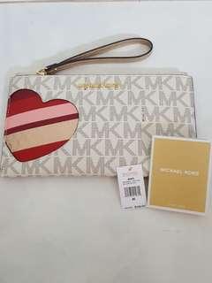 Michael Kors Large Zip Clutch heart vanilla/gold