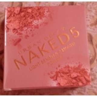 Naked 5 Light Sensitive Smooth Powder