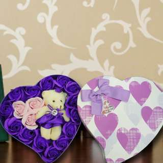 [FREE DELIVERY] Handmade Purple and Pink Rose Soap with Mini-bear in Heart-shaped Box (038-SR)