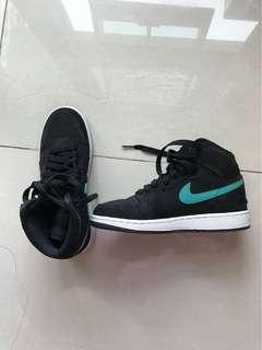 Nike Air Jordan - Barely used