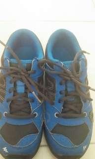 Quechua sports shoe