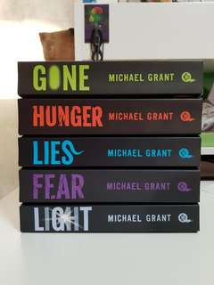 Michael grant 'The GONE series'