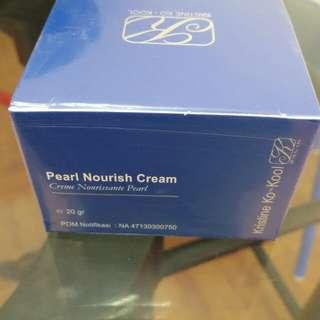 Pearl Cream ukuran 5gr