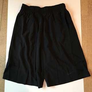 全新未剪牌男裝 Nike Training DRI-FIT 短褲 - 細碼 黑色