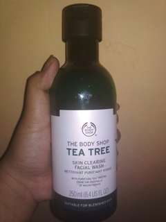 Facial wash The Body Shop Tea Tree