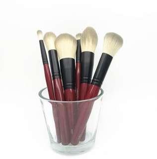 Red handle makeup brush set