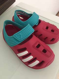 Good as New Adidas Sandals