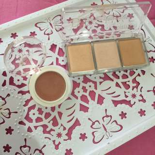 Catrice Glow highlighter ( Free Zoya blush on)