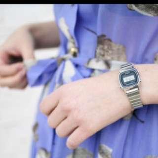 Casio LA670w silver watch