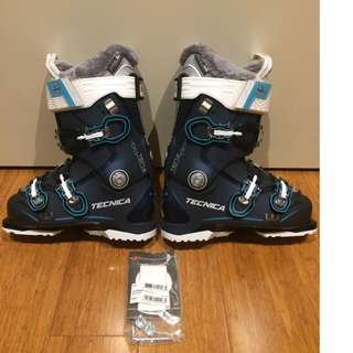 Womens ski boots 23.5 Tecnica Ten.2 85W current 2018 (used 2days)