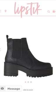 Lipstik Eamon Black Boots