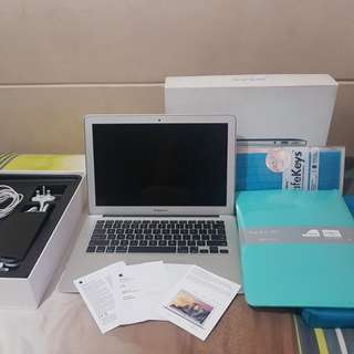 """MacBook Air Early 2015 13.3"""" with Box and Freebies"""