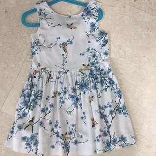 Gorgeous dress for your little girl