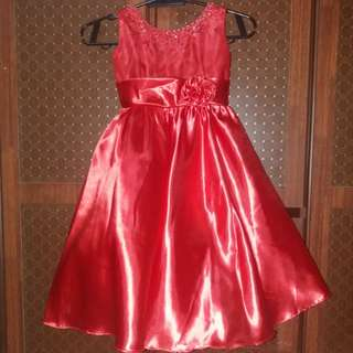 Little girl - Red Gown
