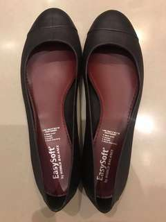 Easy Soft by World Balance Ballet Flats
