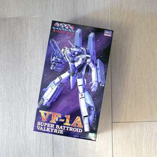 MACROSS 超時空要塞 1:72 VF-1A Super Battroid Valkyrie