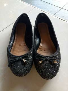 Sepatu rubi mewah