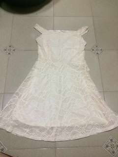 Preloved White Laced Dress