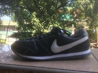 READ DETAILS Original Nike shoes