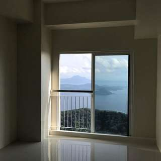 WIND RESIDENCES (tagaytay)  🔑1 bedroom with balcony🔑 34.89 sqm Facing Taal  📍TOTAL Price: 4.3M  **25k reservation fee💸💳