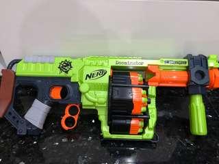 Like New Doominator Zombie Strike Nerf Gun