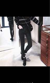 🚚 不規則黑色牛仔褲