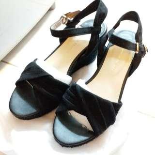 🈹️ Oriental Traffic 女裝黑色涼鞋 全新