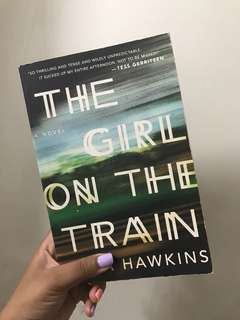 The girl on the train by Paula Hawkins (fiction, mystery / drama) large print paperback