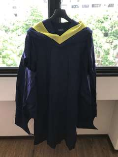 NUS graduation gown - master