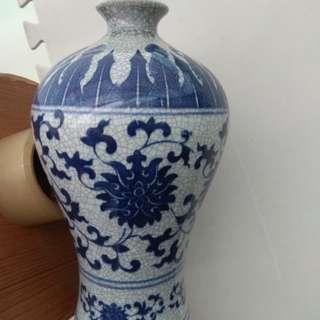 青花官字梅瓶Porcelain Vase