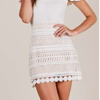 BNWT Showpo White Crochet skirt size 8