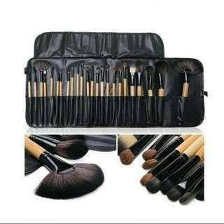 24 set Brush Make Up