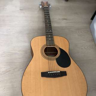 Cort AF 510 E with tuner, Solid spruce top and mahogany guitar concert