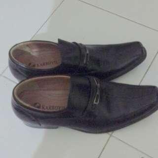 Sepatu pentovel pria second
