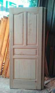 pintu kayu borneo